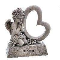 Engel mit Herz auf Sockel grau  mit Schrift